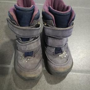 Lækker vinterstøvle med goretex. Trænger til vask og evt imprægnering.