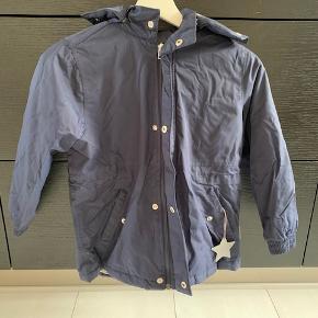 Mørkeblå Mini A ture jakke i str. 128/8år