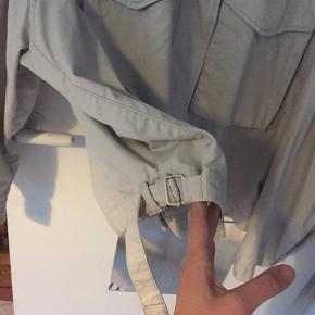Oversize jakke fra H&M. Bruger normalt M, men denne er perfekt i S som oversize.
