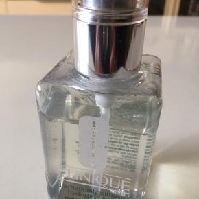 Clinique dramtically different hydrating jelly 125 ml Ansigts gelé Der er brugt ganske lidt (se foto)