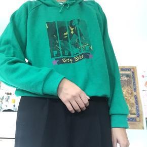 Højt elsket hoodie, jeg desværre aldrig får brugt.