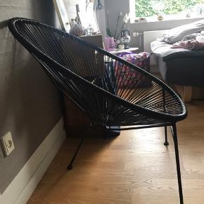 Loungestol fra ILVA, kan bruges både inden- og udendørs. Er stort set urørt og fremstår derfor som ny.  NP. var 500 kr:)