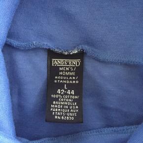 Blå sweatshirt med turtleneck, str. 40/L