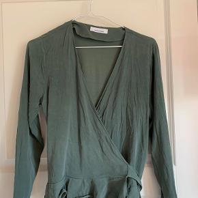 Samsøe Samsøe bluse brugt 2 gange - næsten som ny. style navn: Limon ls 9941  Farve: Duck Green
