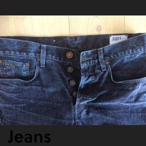 """Størrelse: 32""""/32"""" Farve: Mørkeblå g star raw 3301 slim jeans Sender med DAO Se også mine 450 andre annoncer 🌞"""
