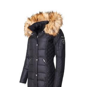 Sælger denne jakke er så god som ny giv et bud