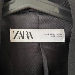 Zara blazer, brugt få gange 💛