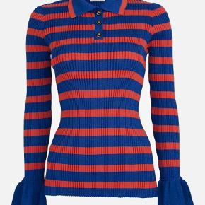 Varetype: Bluse Farve: Blå orange Oprindelig købspris: 1600 kr.  Brugt en enkelt gang, så tillader mig at skrive aldrg brugt, da den er som ny.  Sælges billigt. Super fin  Glimmer / metallic