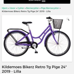 Helt helt ny cykel sælges.   Der også købt blomster for 150 kr som er sat rundt om kurven og lås til 200 kr  Prisen er fast da den er helt ny :)  Tommer: 24   Sælges af personlige årsager  Nypris alt i alt 4150 kr