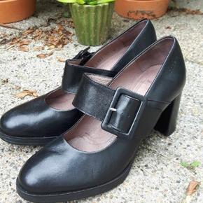 Wonders sko i sort skind. Str. 39. Brugt 2 gange. Nypris 500,-  BYD gerne