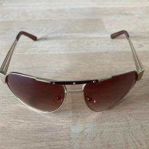 Gode stilrene solbriller.  Oprindelig pris 700 kr.  Se også mine andre annoncer.