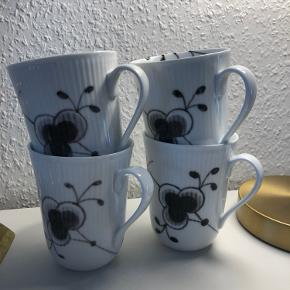 2. Sortering kopper. Et lille skår i en kop og en lille revne i en anden. Begge uden betydning. Prisen er for alle 4.