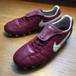 Nike Tiempo Brasileiro FG 315357-627Str. 42,5 Cond. 7