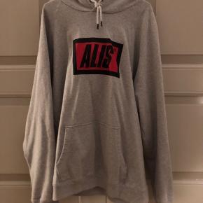 Alis hoodie i XL, brugt få gange, er som ny!
