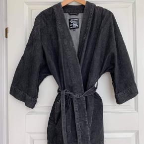 Just Female kimono