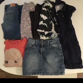 Pigepakke str 10 år: indeholder: Slim fit strech jeans som nye. 2 par leggings hvor det ene par er molo og harems bukser. Fin skjortekjole. T shirt og cowboy nederdel samlet.