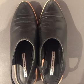 Sort lædersko/ sandal str.39