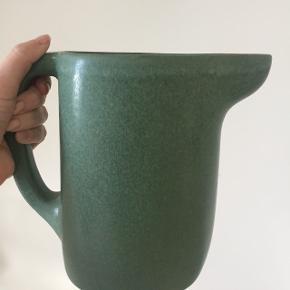 vandkanne/vase fra ikea collab med studio ilse brugt få gange