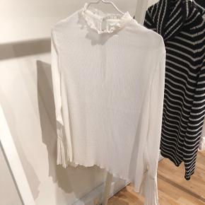 Aldrig brugt skjorte fra hm  Str 38