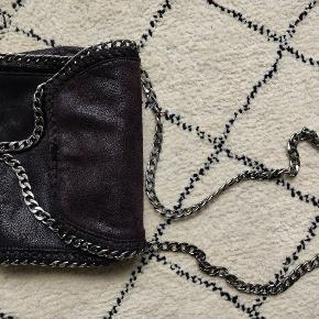 Rigtig fin taske som jeg har været meget glad for. Bruger den dog ikke længere. Ikke ægte.