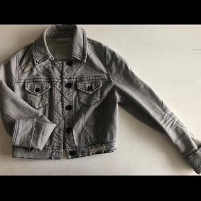 DKNY tøj