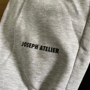 Joseph Atelier joggers i str M.