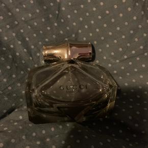 Cirka det kvarte tilbage har også andre parfumer til salg