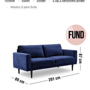 Mexico sofa Ilva  3 personers Sofa fra Ilva - slidstærkt velourbetræk i mørkeblå.   Købt i udgangen af 2018, men næsten ikke brugt - har mest stået til pynt. Fremstår derfor som ny.   Afhentes i Århus C (vejer ca 40kg)