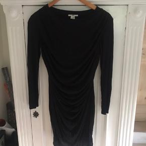 Meget smuk og meget lidt brugt kjole fra helmut lang