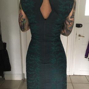 Unika kjole. Yderstof 100% silke