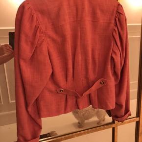 Smuk vintage jakke i gammel Rosa farve  Jakken er købt i Berlin og er i super flot stand Mp 300kr