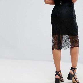 Helt my Ganni nederdel. Sælger den for min mor der har betalt 1099 for den. Nederdelen er helt ny og har stadig prismærke. Kom med et realistisk bud
