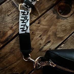 Tommy Hilfiger bæltetaske