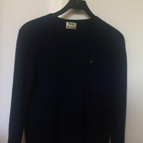 Lækker sweater fra Acne studios. Fitter omkring 170-181 Aldrig blevet vasket