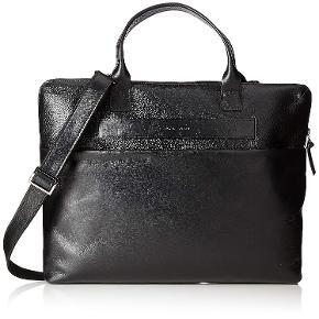 Helt ny computertaske fra Royal Republic. Sælges hurtigt. Modellen hedder Unisex New Courier Single Caviar Laptop Bag.