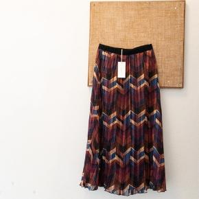 Ba&sh nederdel str 1
