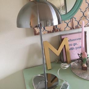 BYD GERNE ☺️ Chrom bordlamper 'Colorado' fra Seeddesign - aldrig været i brug. Har 2 styk. Nypris 800kr