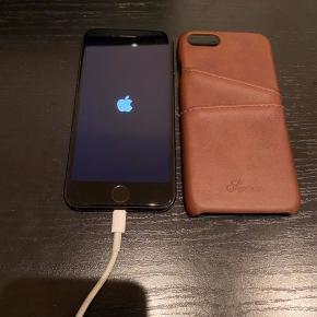 IPHONE 7  Batteri kapacitet er 78%. Original kasse medfølger samt cover. Beskrivelse ses på første billede - ellers er I velkommen til at spørge 😊