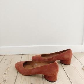 Suede heels size 39. Excellent condition