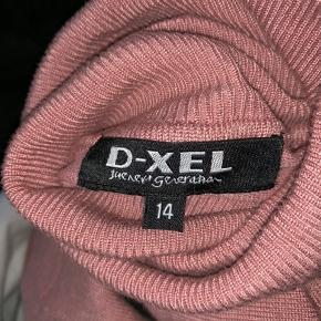 Mega fin bluse som aldrig er blevet brugt, da den ikke lige er mig Str. 14 men fitter S Køber betaler fragt