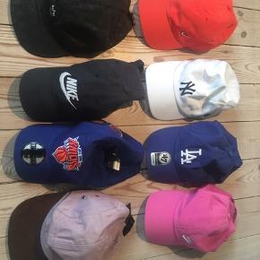Næsten som nye assorterede forskellige caps/kasketter - Nike - new era - etc. Pris for 1 er 100 og 2 for 150 pp.