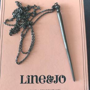 Lang halskæde fra Line og Jo i sølv. Cirka 48-49 cm lang