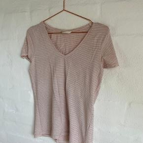 rød/hvid stribet t-shirt fra H&M (sælges fordi jeg rydder ud i den stribede del af garderoben 😉)