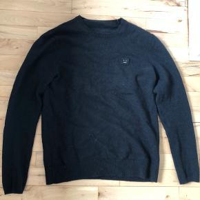Det er en lækker trøje som passer ca 167-177