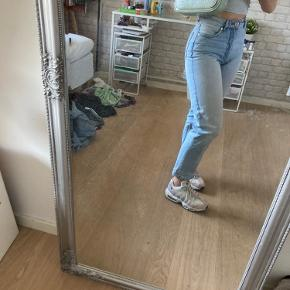 Flotte light washed denim jeans Str 24  Vil gerne sende, og kan afhentes i Bagsværd