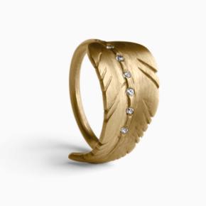 Ny ring med diamanter.  Str. 55 Aldrig brugt.  Ingen æske