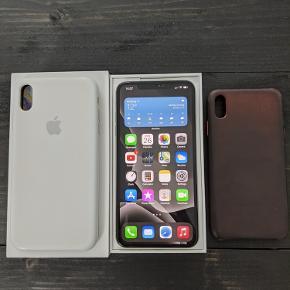 iPhone XS Max 64GB silver sælges. Der har altid været cover og panserglas på og er derfor i utrolig god stand (Panserglas sidder stadig på). Yderligere medfølger der to originale covers fra Apple (hvid silikone og brun læder). Alt originalt tilbehør medfølger. Virker upåklageligt!