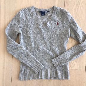 Sælger denne lækre Ralph lauren sweater. Kom endelig med bud :-)
