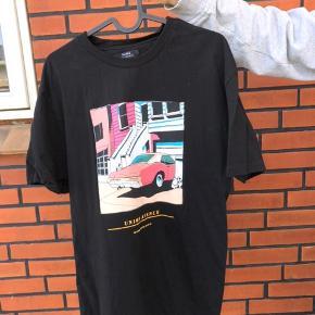 Bershka t-shirt Cond 9 Str. S Pris 50+fragt