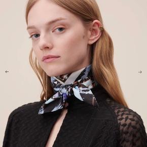 Lala Berlin silke tørklæde  Måler 65x65